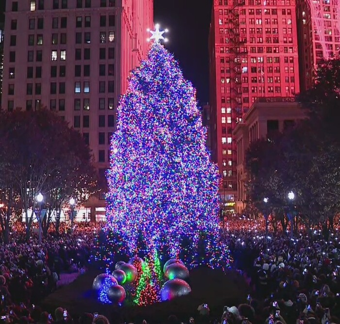 POWERING CHICAGO lights up Chicago's 107th Annual Christmas Tree